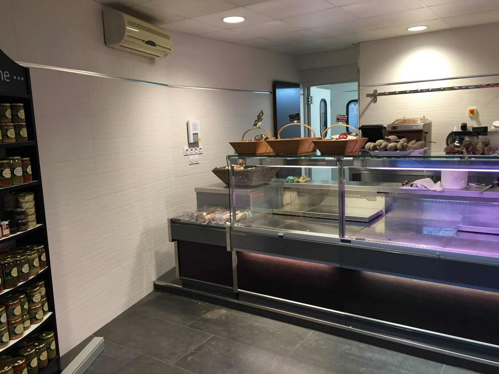 Pose de carrelage dans un local professionnel libourne for Fourniture de cuisine professionnel
