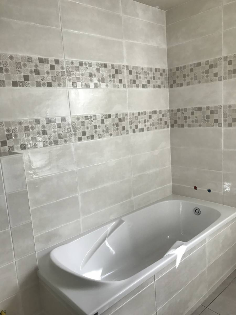 salle de bain effet b ton libourne vente et pose de carrelage salle de bain cuisine et. Black Bedroom Furniture Sets. Home Design Ideas