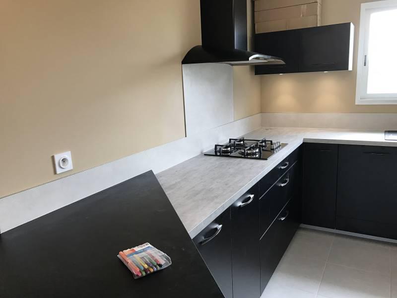 plan de travail et cr dence de cuisine en carrelage de faible paisseur libourne vente et. Black Bedroom Furniture Sets. Home Design Ideas